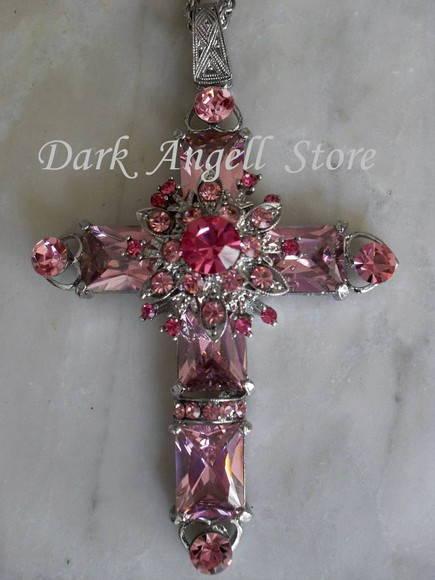 ~ Colar Crucifixo Rose Queen ~