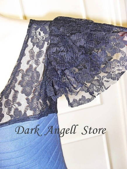 § Top  Lace Wings §