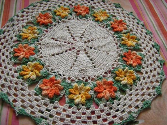 Tapete ou centro de mesa florido no elo7 meus croches - Tapetes para mesa ...