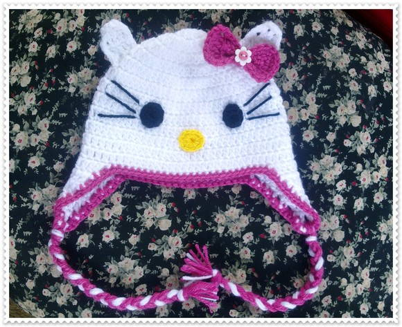 Touca de crochê Hello Kitty