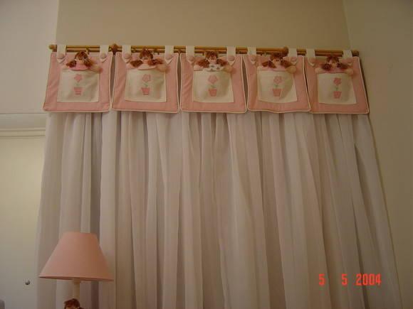 Cortina infantil com bando de bonecas  Vovó Fazendo ArtesCom  Elo7
