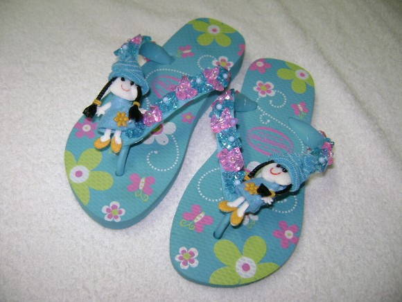 chinelo havaiana kids floral bordado-