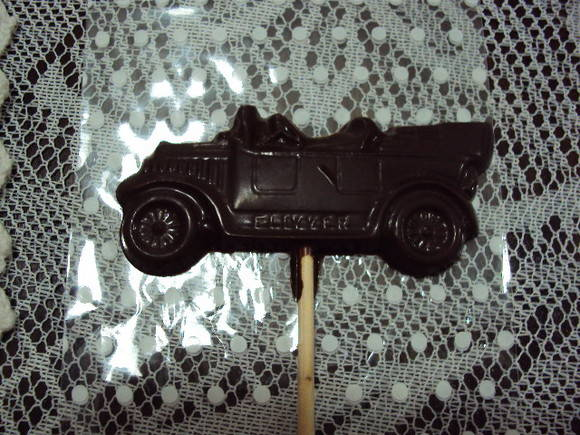"PIRULITO DE CHOCOLATE ""CARRO ANTIGO"""