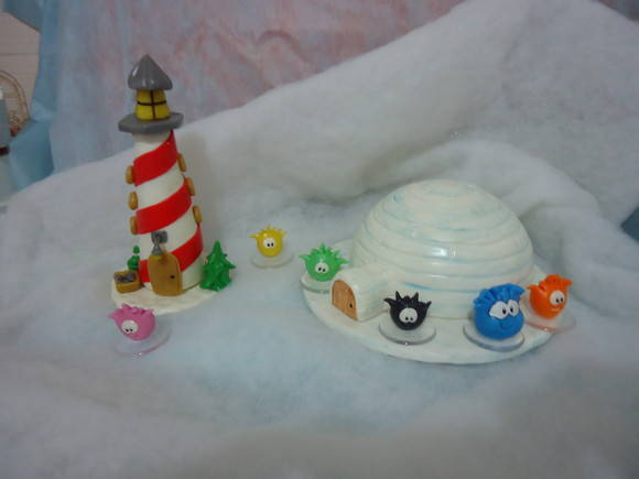 FAROL E IGLU DO CLUB PENGUIN