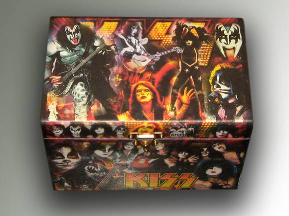 Baú Personalizado do Kiss