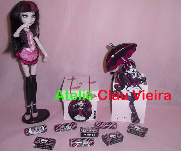 LEMBRANCINHA DRACULAURA MONSTER HIGH