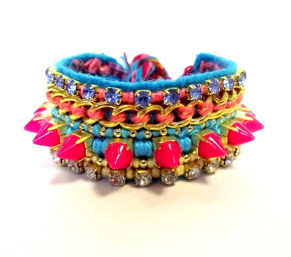 Friendship Bracelete Spike Pink