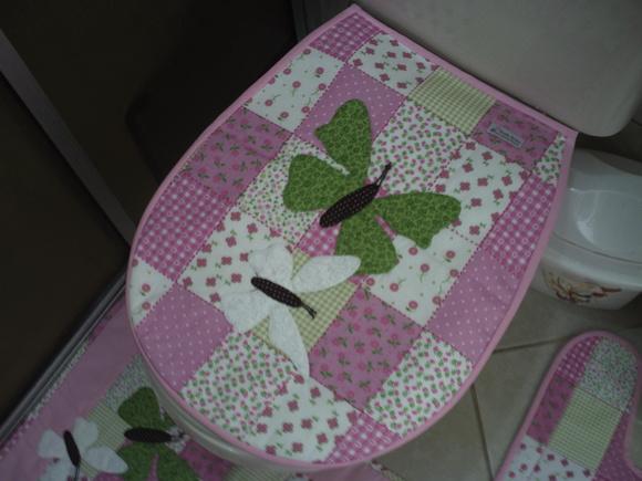 Jogo de Banheiro Rosa Borboletas 03 peças  XODO ARTES ARTESANATOS  Elo7 -> Jogo De Cuba Para Banheiro