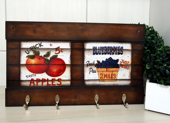 Porta Chaves Mod6 Apples and Blueberries
