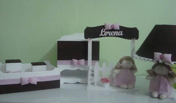 kit de quarto de bebê marrom com rosa juliana bressame