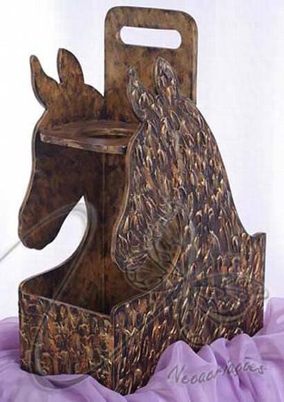 Aparador Pelos Masculino ~ Mateira Cavalo Gaúcho (MATE00) Neca Criações Pintura Metalizada Arte Objeto Porto