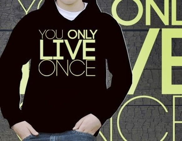 AGASALHO DE MOLETON YOU ONLY LIVE-92196