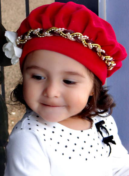 Boina Infantil Vermelha com Flor Branca no Elo7  391f4ebd11e