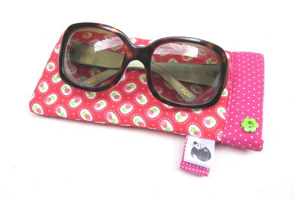 Porta culos hibiscos pink no elo7 atelier madrecita for Porta oculos