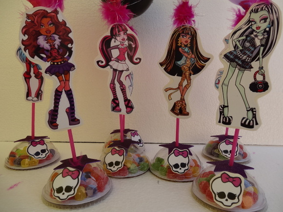ENFEITE DE MESA DAS MONSTER HIGH