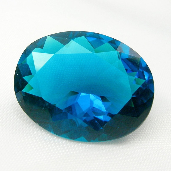 London Blue 15.1x18.1 18,48 Ct Fantástic