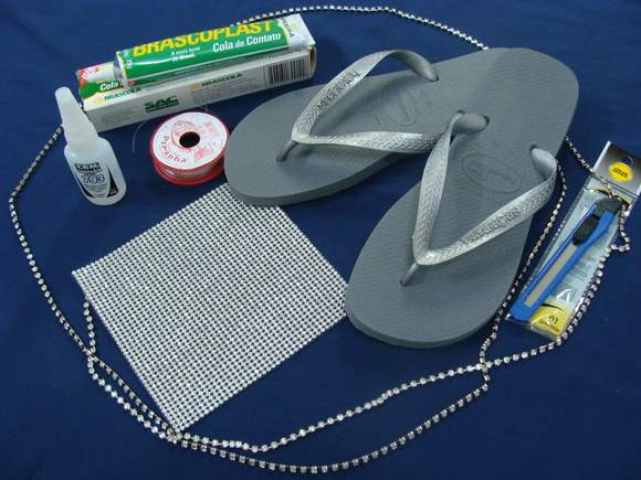 Kit p/ confecção de chinelo-manta strass