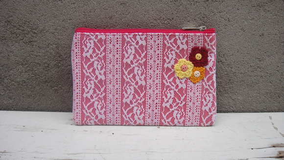Clutch Mini Renda e Flor