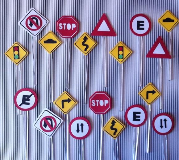 Placas de tr nsito brincando com papel elo7 for Mural sobre o transito