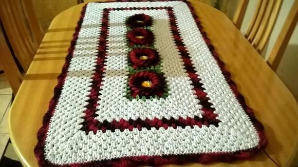 Tapete ou caminho de mesa lumis arte em croche elo7 for Tapete mesa