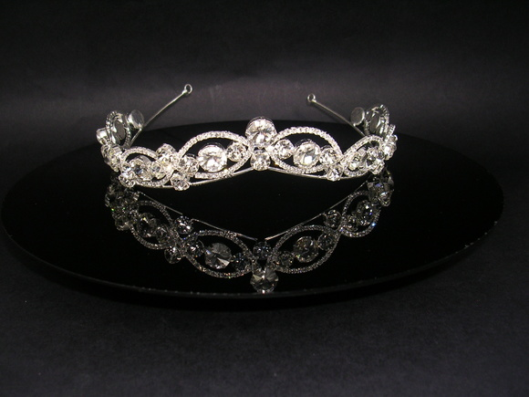 Tiara com strass CR115