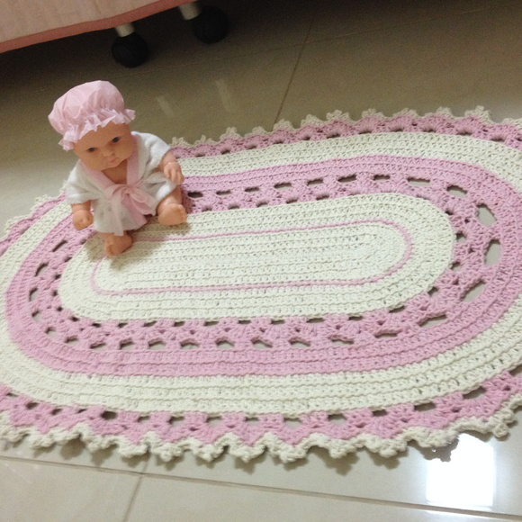 Tapete de croch rosa bebe e off white ateli vera for Rosa weiay gestreifte tapete