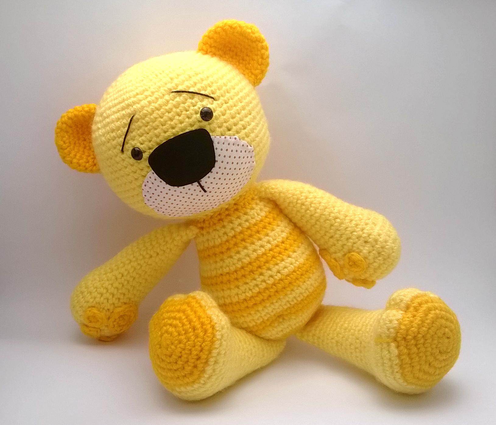 Ursinho de crochê | Urso de crochê, Amigurumi de animais de crochê ... | 1395x1629