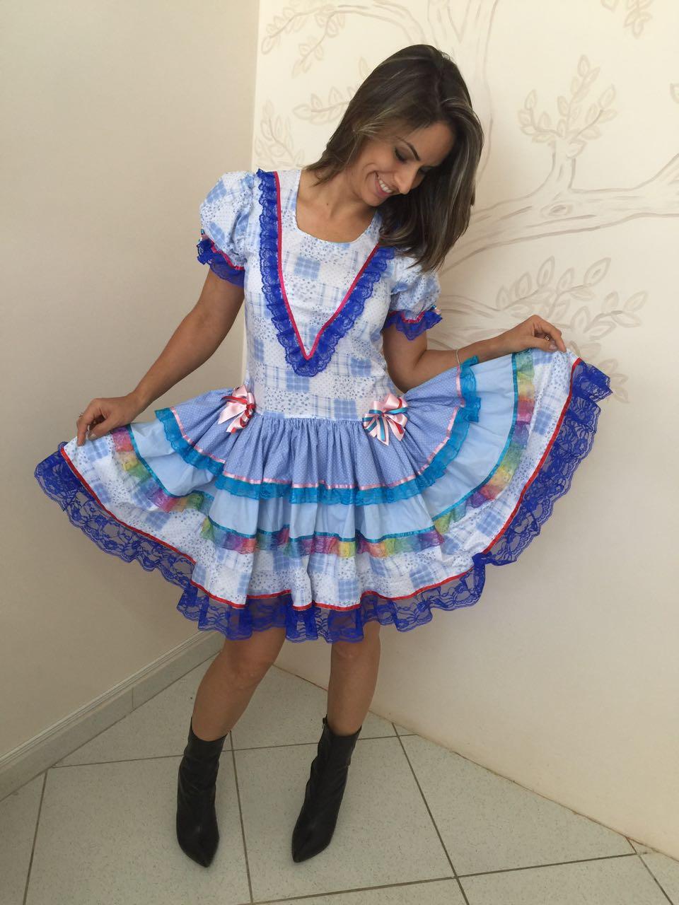 Vestido de quadrilha azul e branco