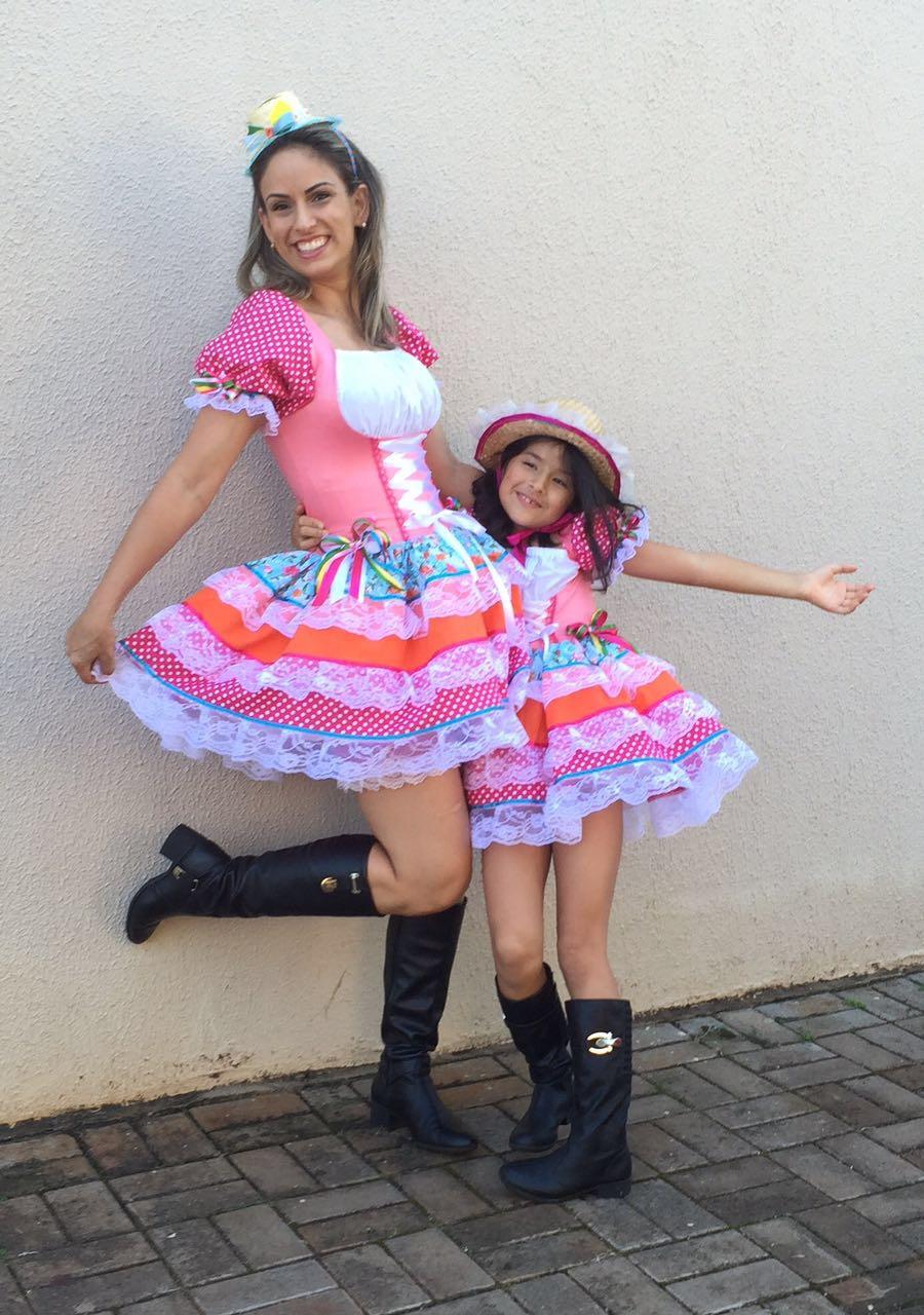 Kit Vestido Caipira Tal Mãe Tal Filha 2 Peças