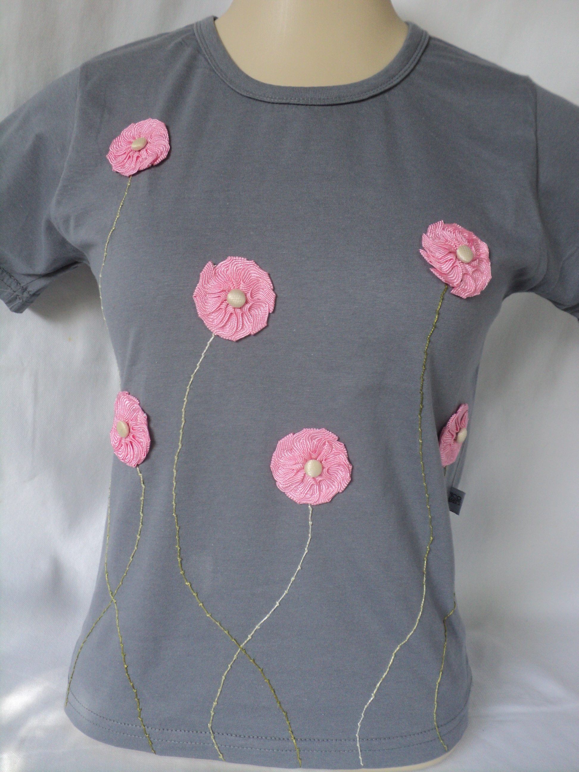 Camiseta Bordada Love  eaca3d4ff5478