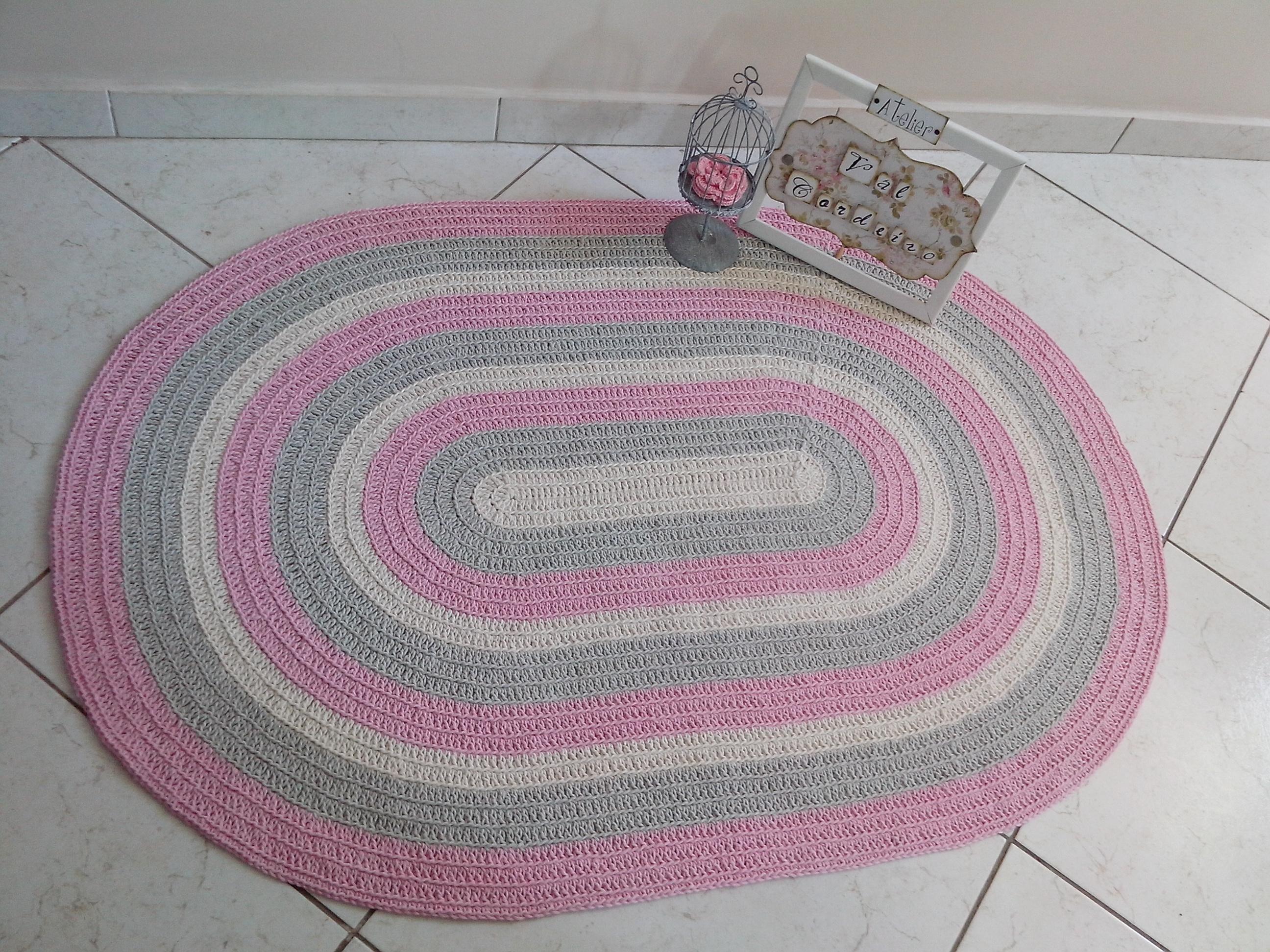 Tapete crochê baby oval rosa Atelier Val Cordeiro Elo7 ~ Tapetes Quarto Nenem