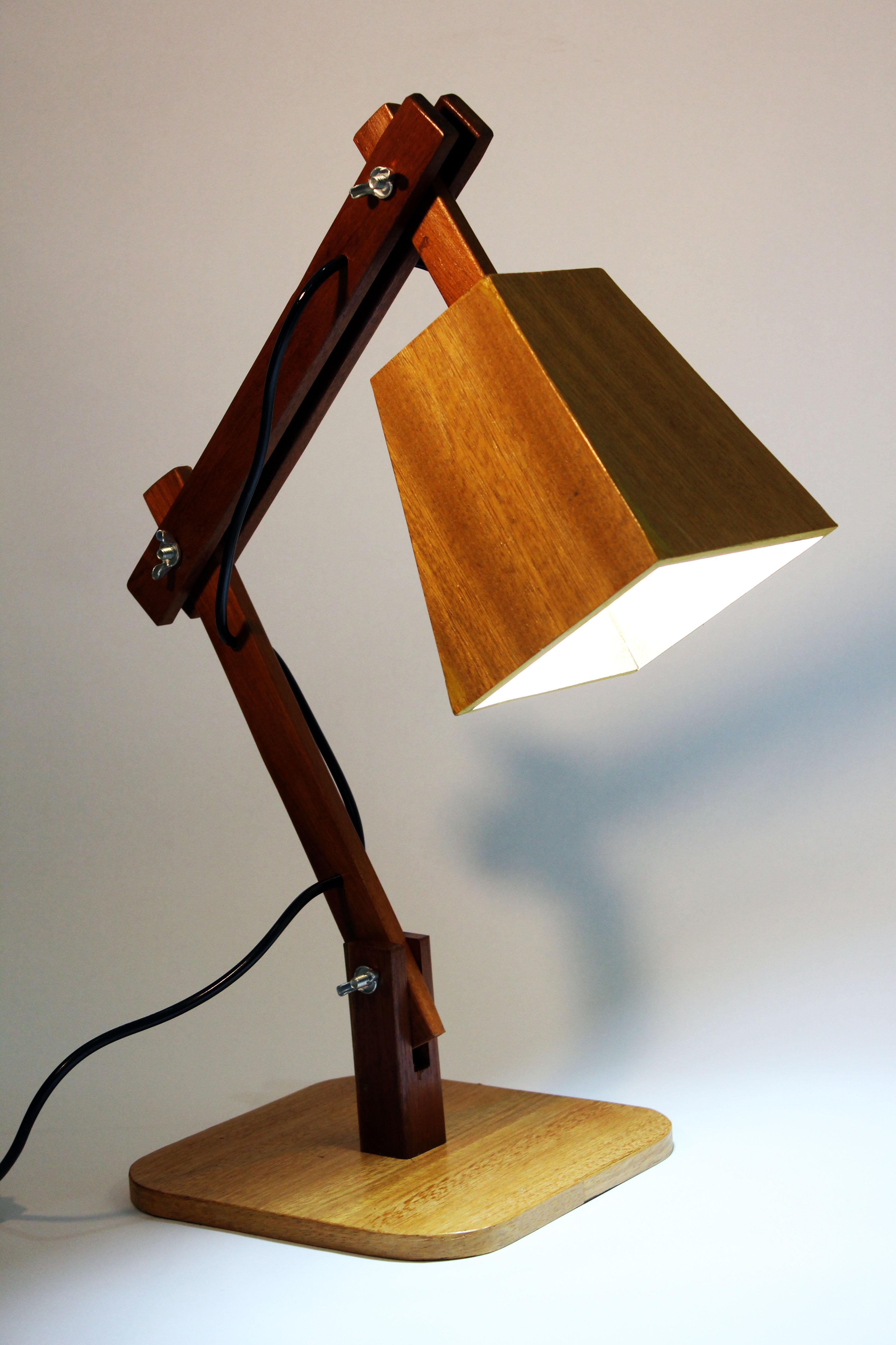 Aparador Moderno Para Sala De Jantar ~ Luminária articulada em madeira Mais Madeira Elo7