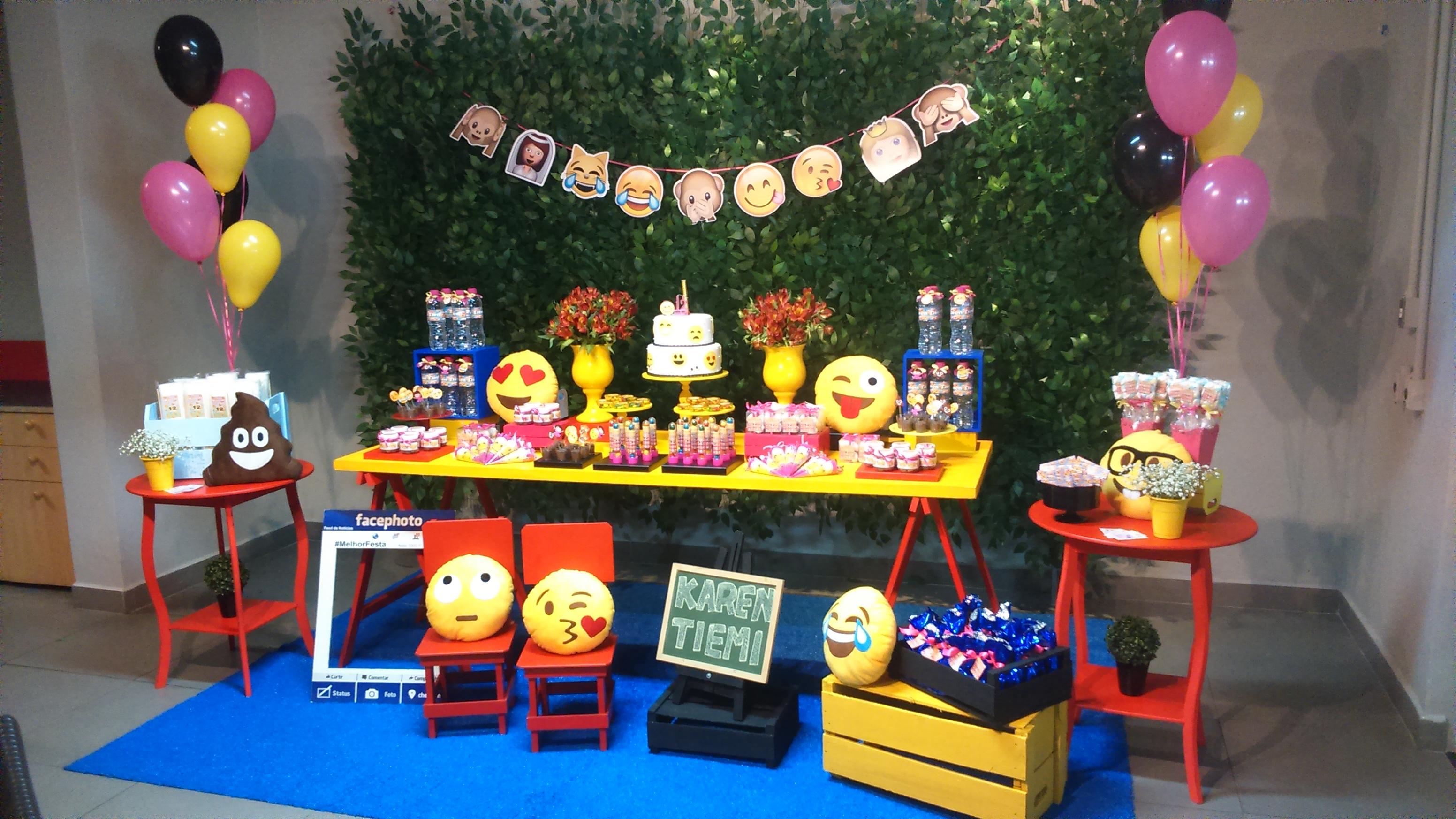 decoracao-festa-emotions-emoji-facebook.jpg