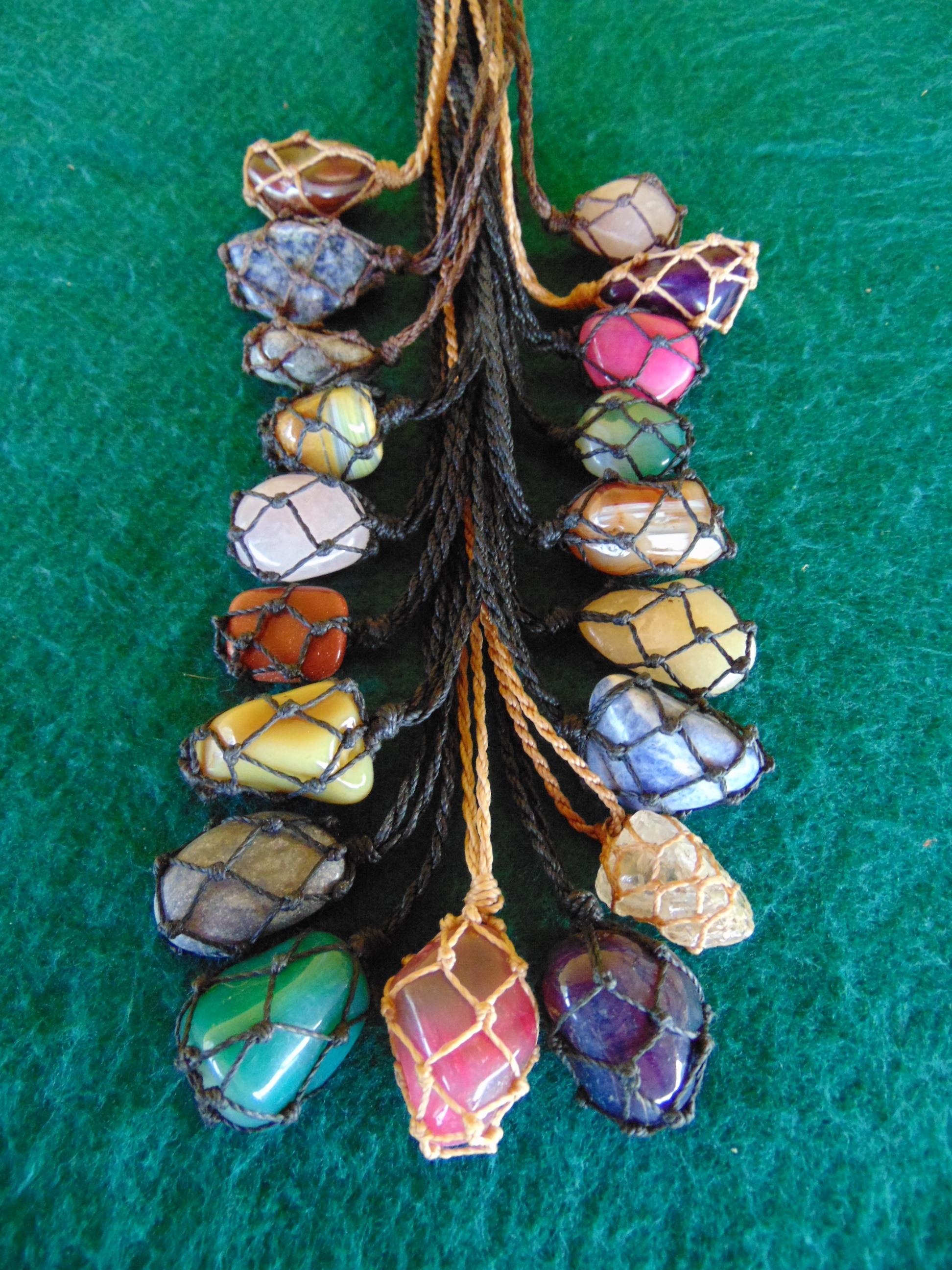 Armario Dobravel Quechua ~ Colar de pedra cestinha Tá Tendo Artesanato Hippie