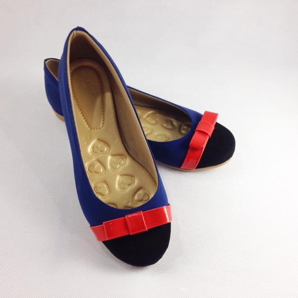 8fa1a29a7a Sapatilha feminina azul preto vermelho no Elo7