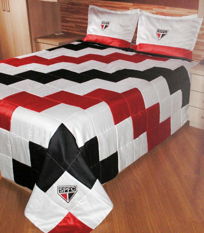 Colcha em patchwork futebol casal pent gono designer - Colchas de patchwork modernas ...