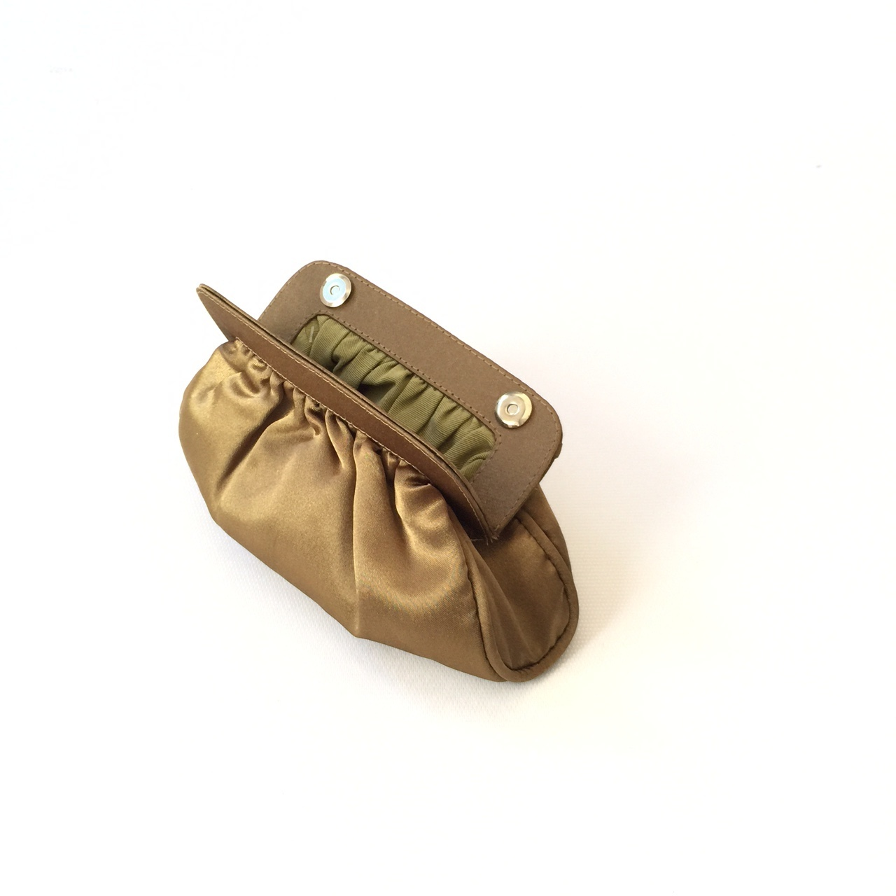 5139730c8 Clutch de festa ouro velho cetim mini soft no Elo7 | PATRICIA HENRIQUES  (8224F3)