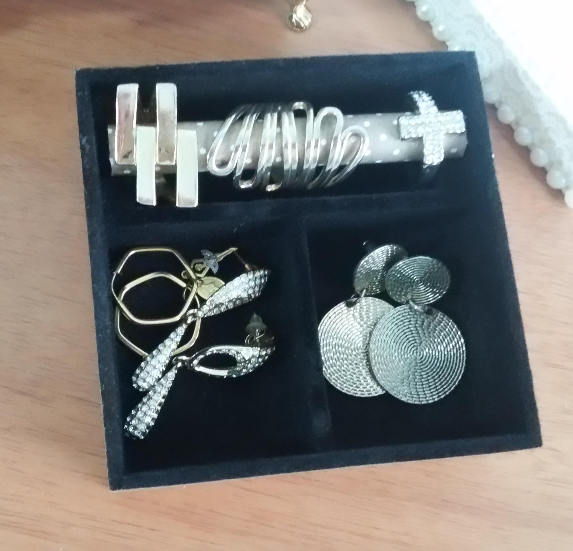 529812509a6 Porta jóias maravilhoso! no Elo7