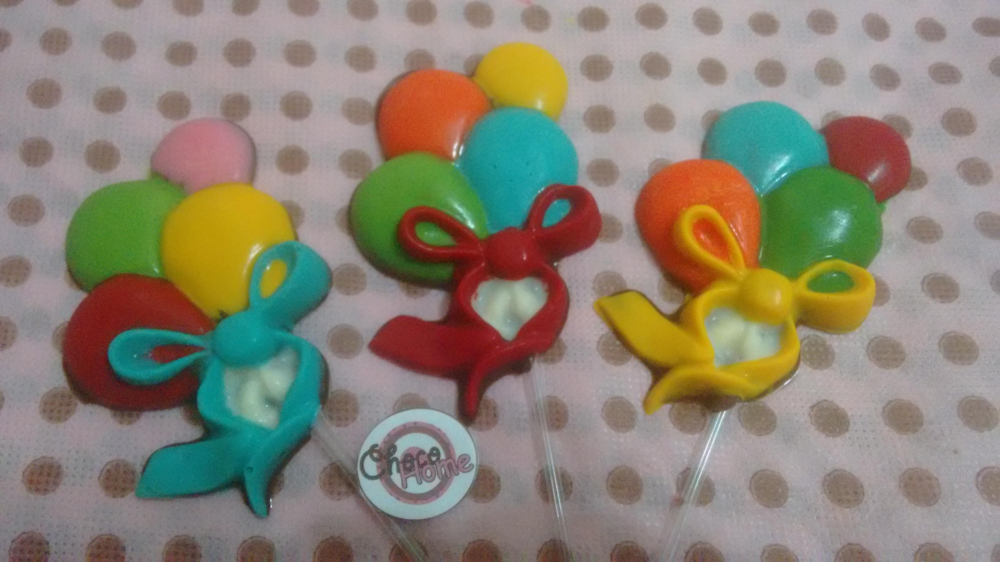 405792e0a9 Pirulitos de Chocolate Bolas