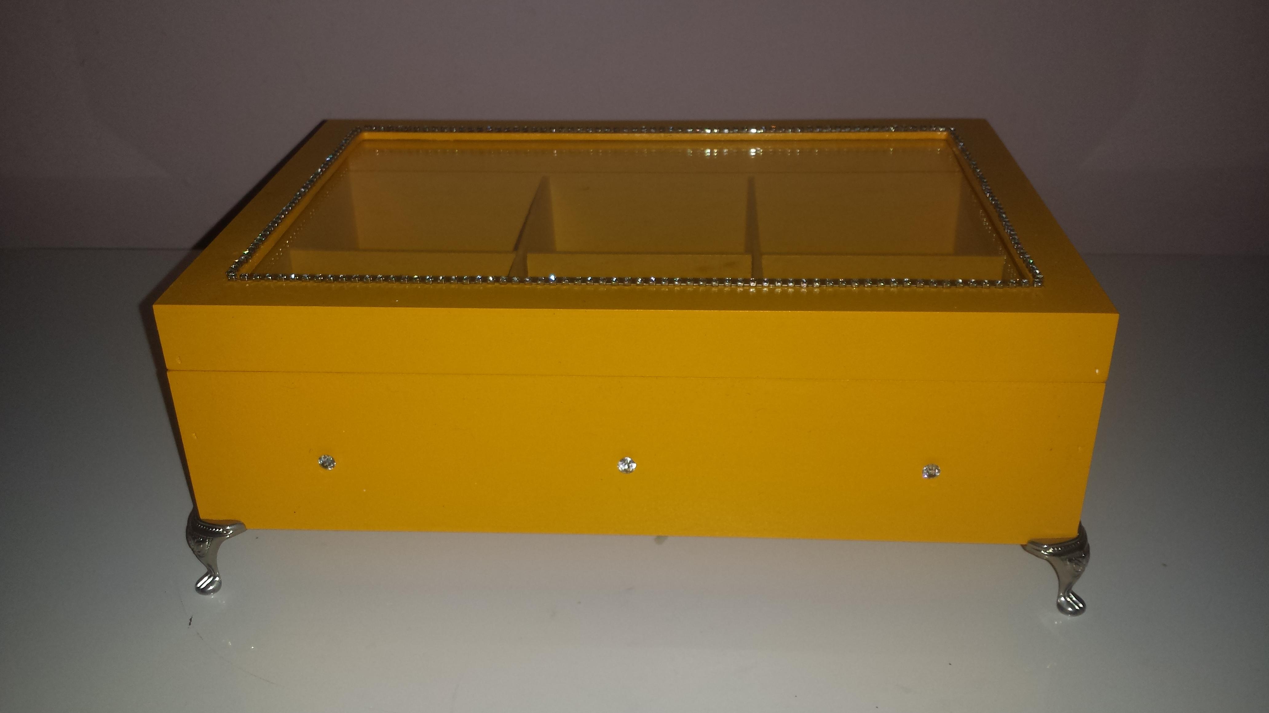 b3a8da7d605 Caixa para Bijouterias Ou Porta Relogio