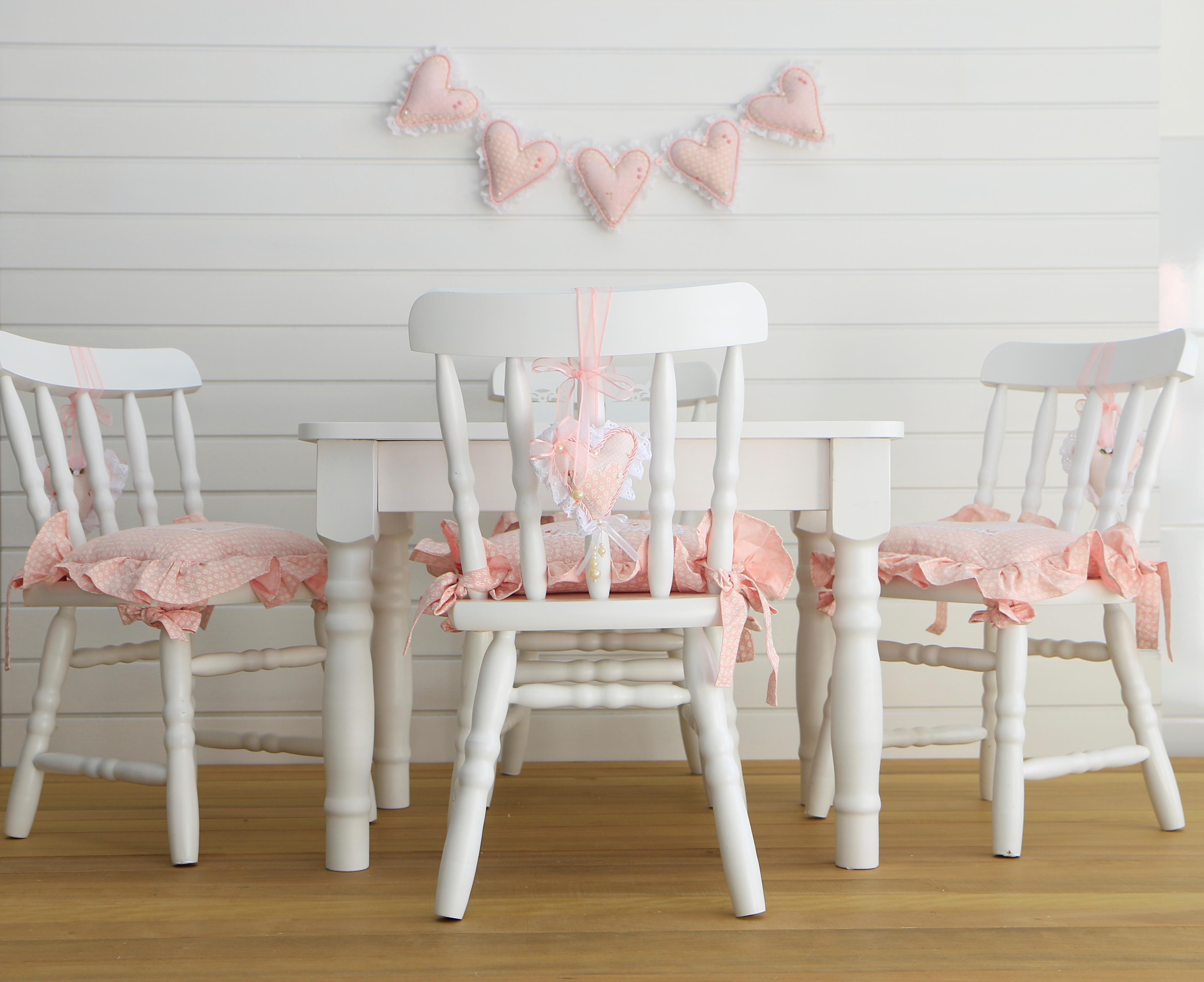 Mesa E Cadeiras Infantil Com Almofadas No Elo7 Casinha De Brincar 8c22f4