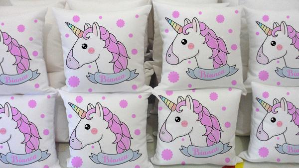 Resultado de imagem para lembrancinhas de unicornio