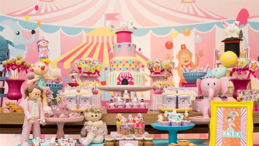 Resultado de imagem para festa infantil circo rosa