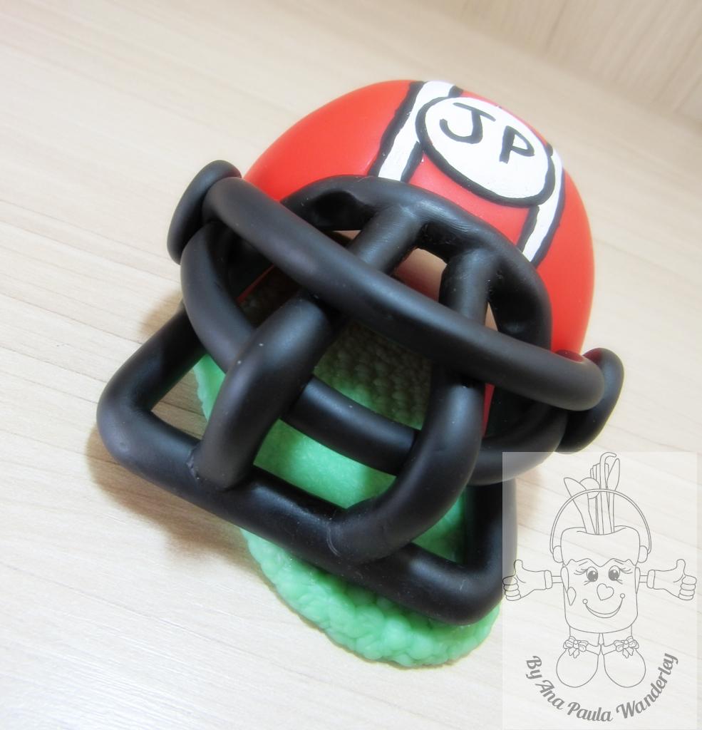 1e10e4b333 Topo de bolo capacete futebol americano no Elo7