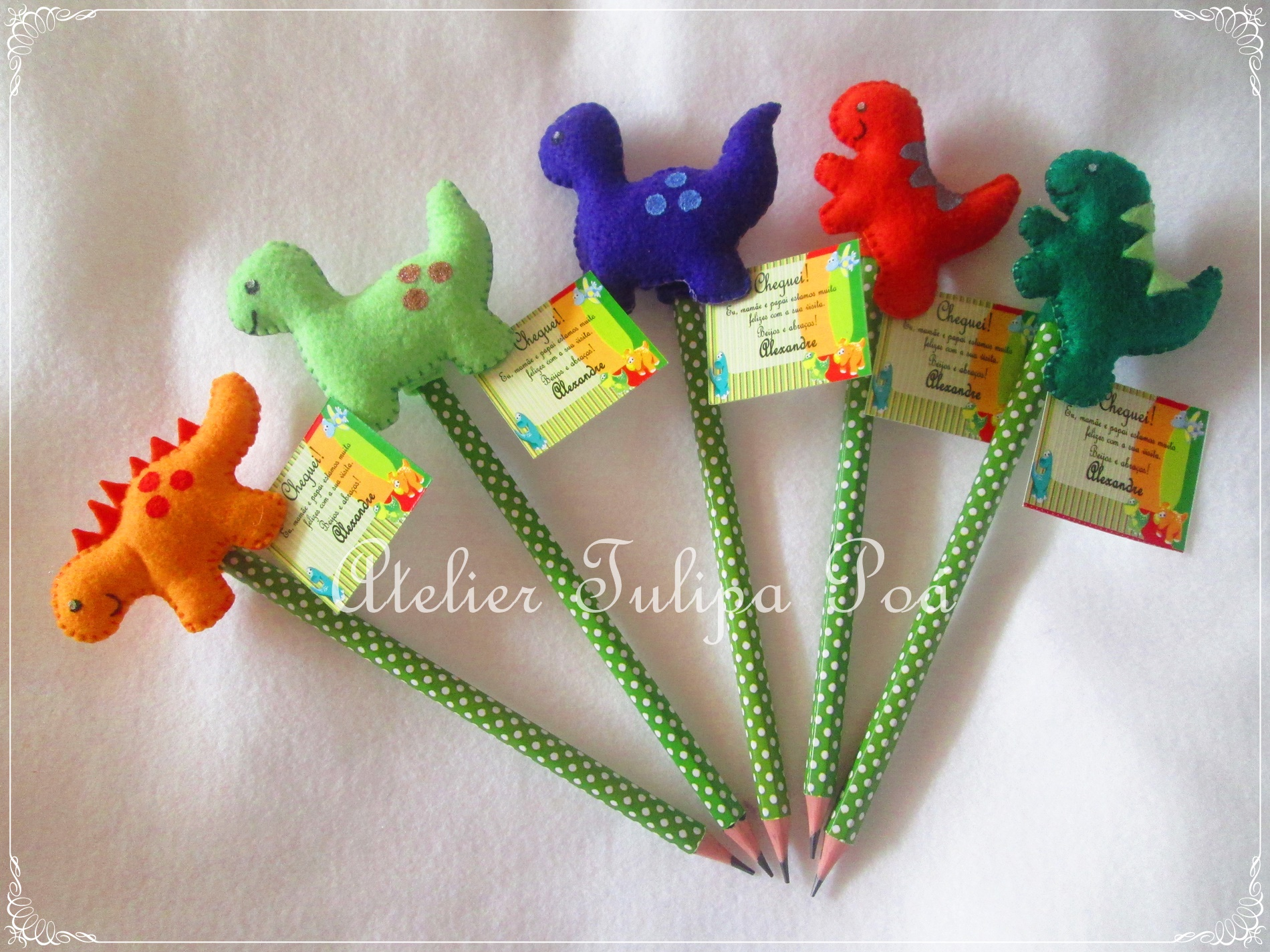 Diana Moura Biscuit: Lembrancinhas dinossauros em biscuit