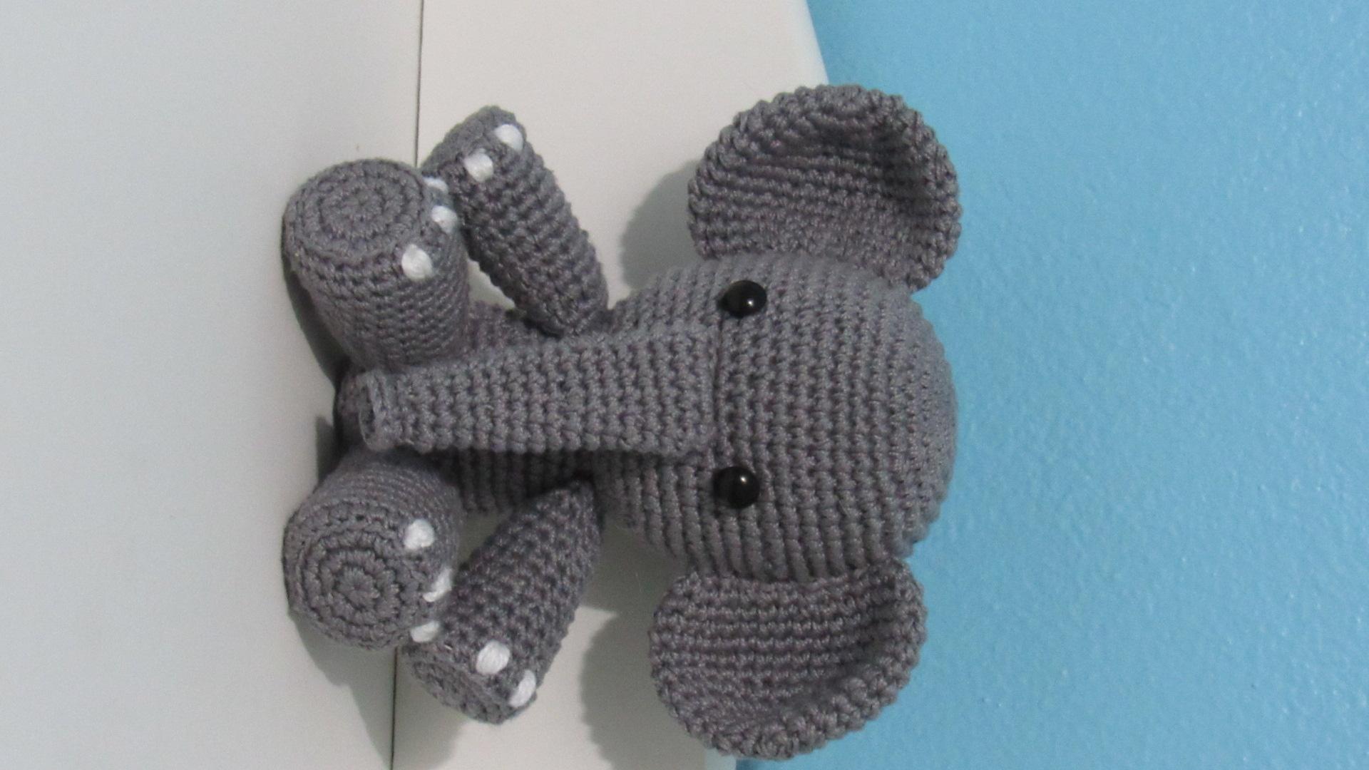 Mini Elefante Receita de Amigurumi de Crochê por Little Bear Crochets | 1080x1920