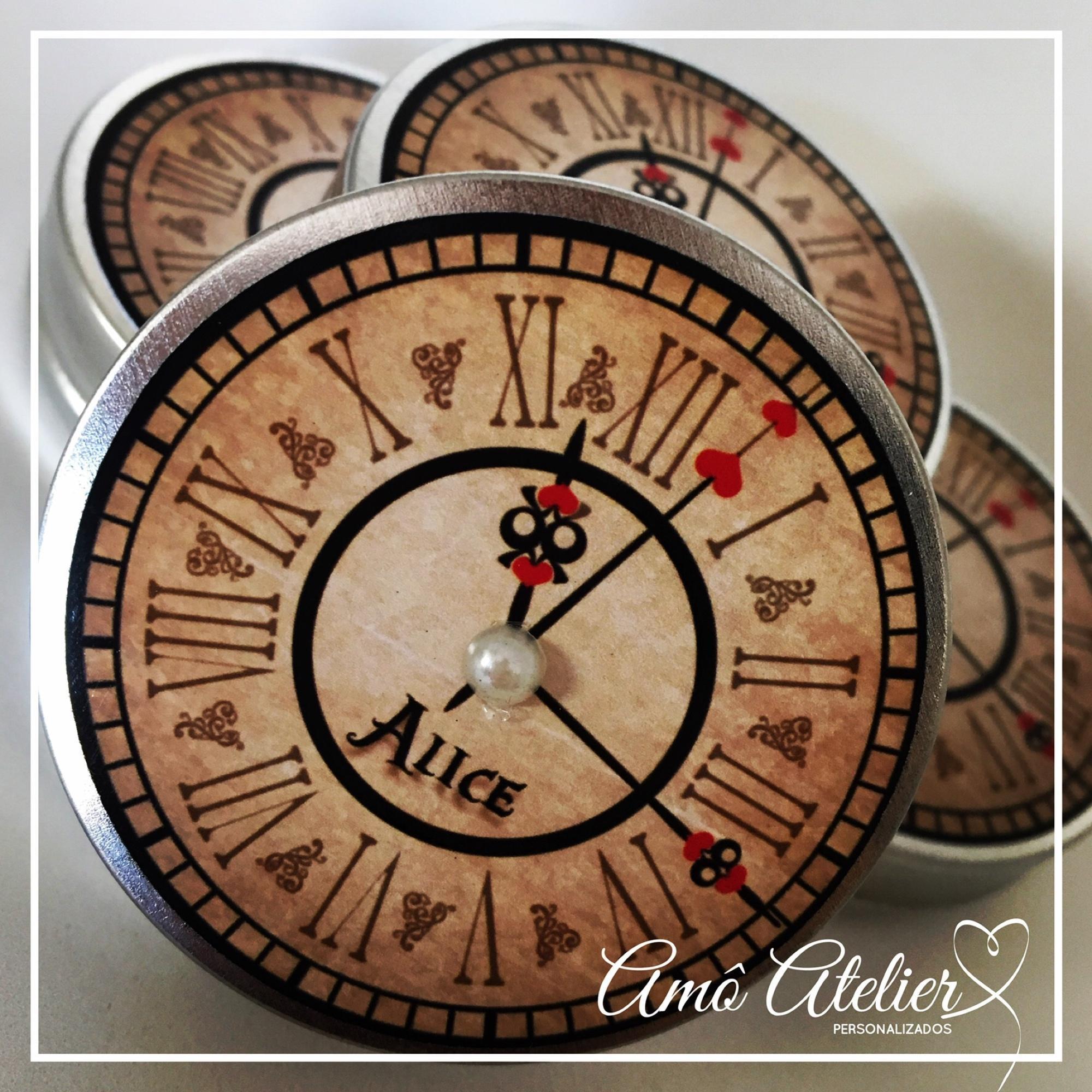d5e5be8396b Relógio Alice No País das Maravilhas