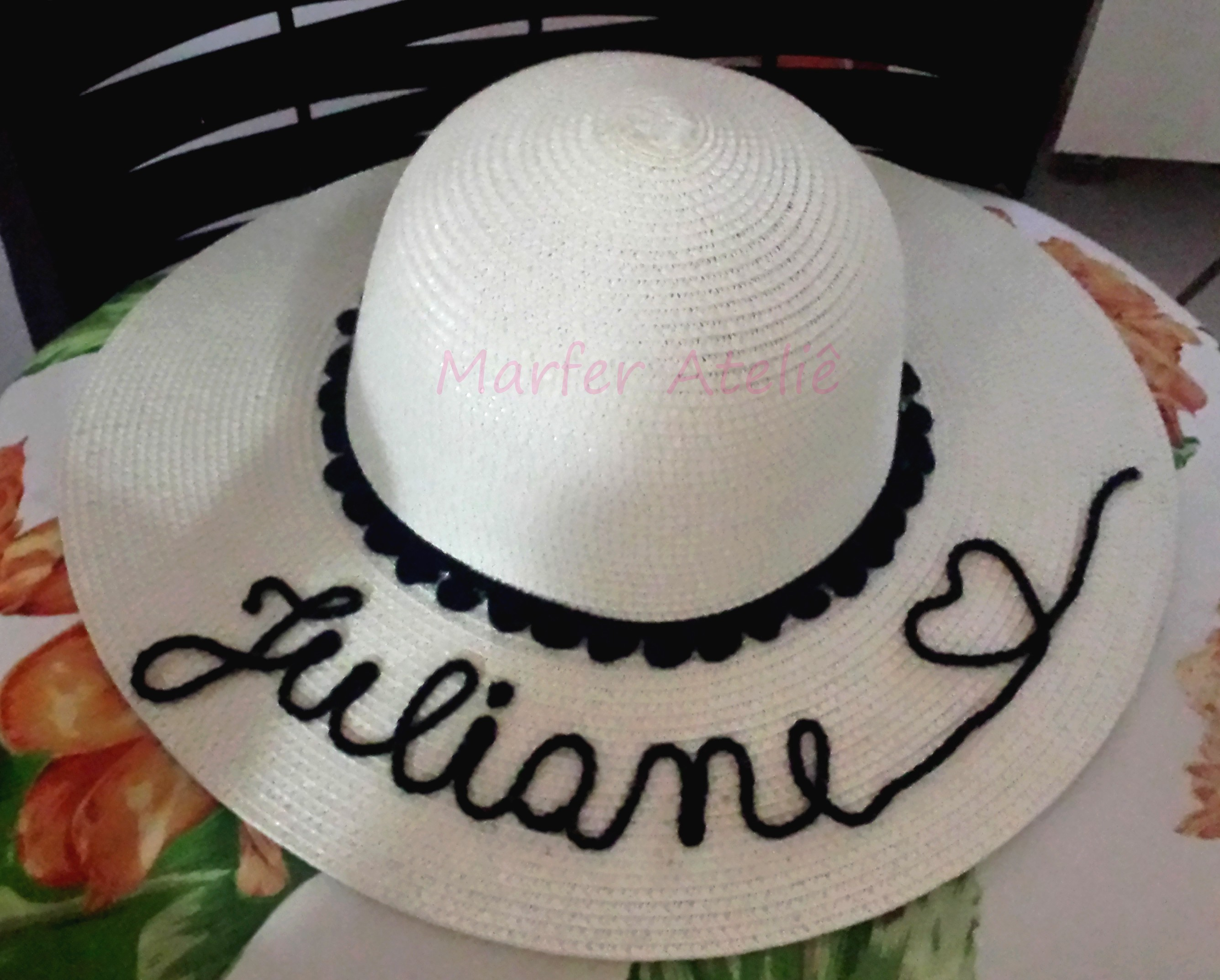 503a57693b795 Chapéu de Praia feminino com nome e pompons personalizado no Elo7 ...