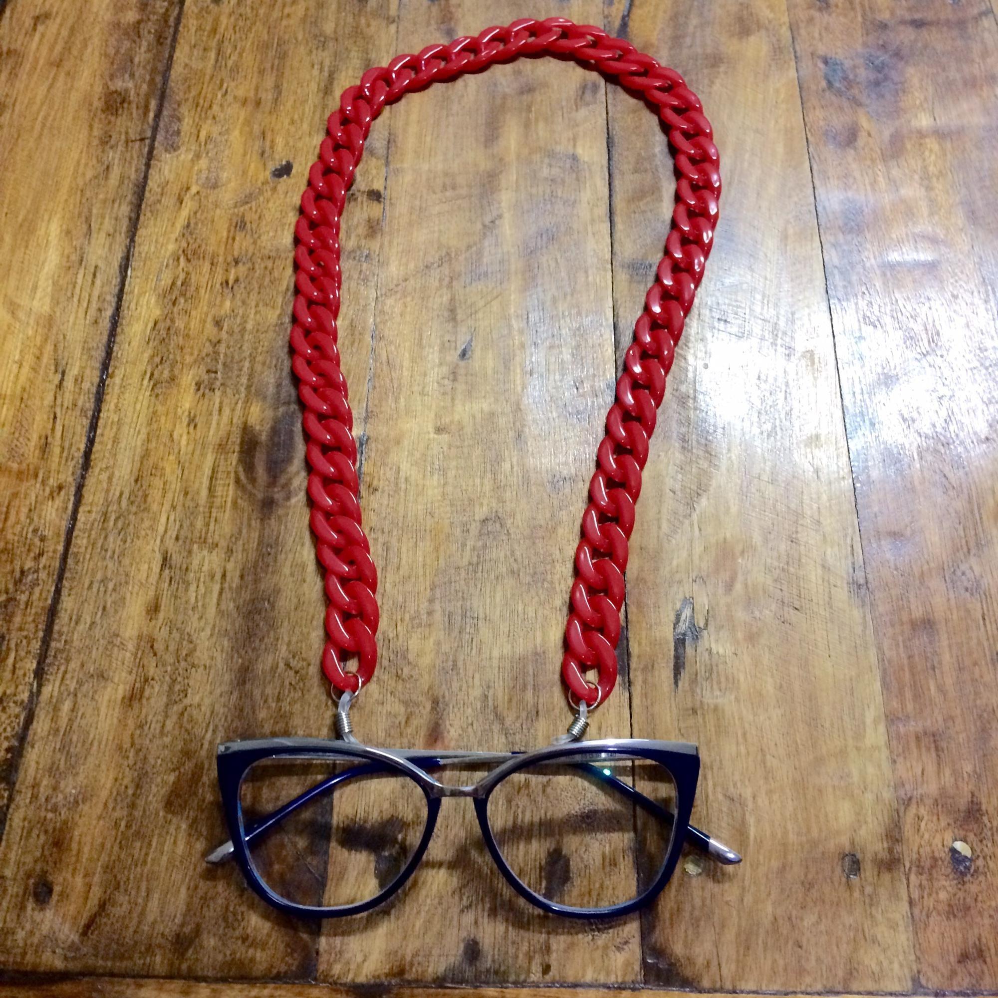 Correntes para pendurar óculos no Elo7   Carla Barranco acessórios (A236BF) 496c420c4e