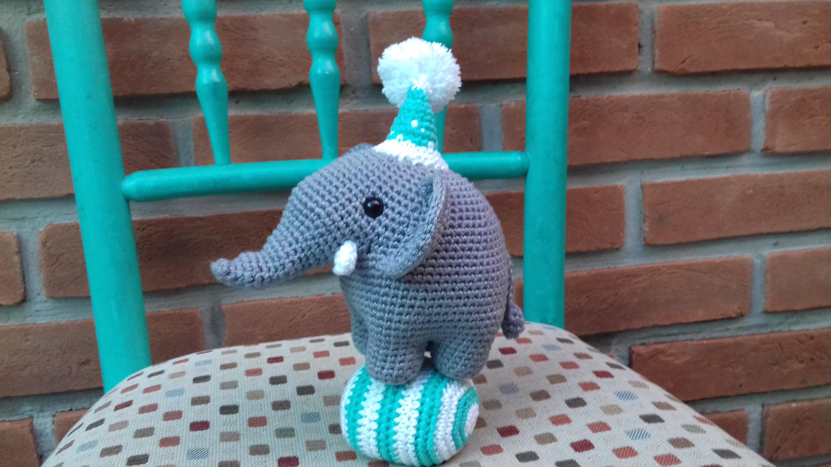Elefante de crochê (Amigurumi) no Elo7 | EMPORIUM AMIGURUMI (AC8597) | 1836x3264